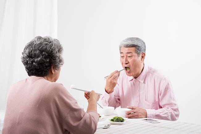 摂食嚥下における準備期と口腔ケアの関係性
